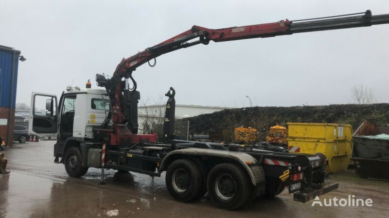 MERCEDES-BENZ 2646 Actros Abrollkipper camión con gancho