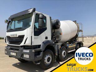 IVECO TRAKKER 400 camión portacoches