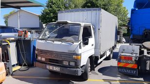 TOYOTA Dyna 150 camión toldo