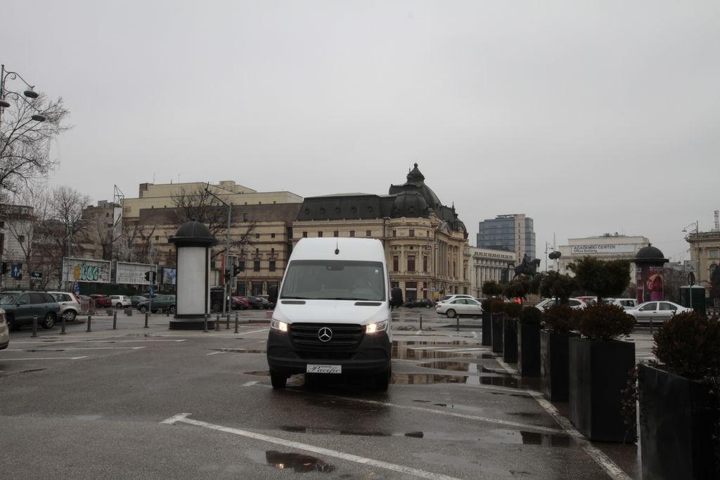 furgoneta de pasajeros MERCEDES-BENZ IDILIS 516 *COC* nueva